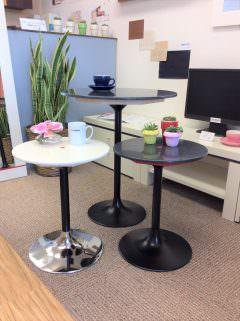 「人工大理石」のサイドテーブルでお部屋のオシャレ度UP。
