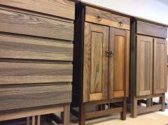 希少木材「埋もれ木」を使用した無垢の家具。