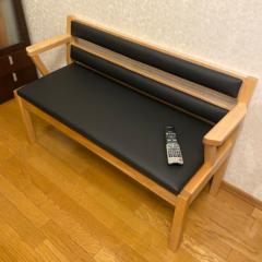 座り心地最適。オリジナルデザインの二人掛けチェア
